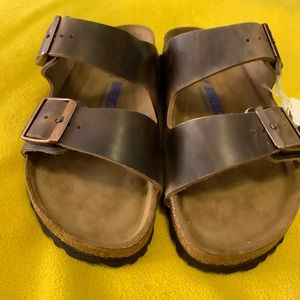 The Birkenstock Arizona. Oiled leather. Sz 39